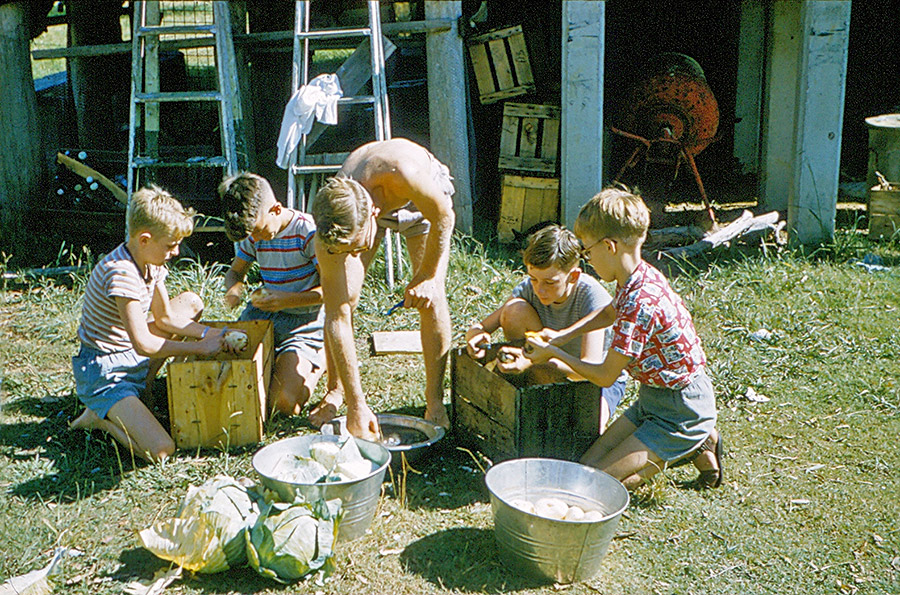 Camp-Warrawee---Peeling-Spuds-for-Dinner