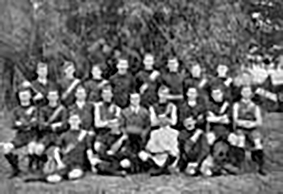 Sporting-Teams---Australian-Rules-team-from-Brisbane-1911