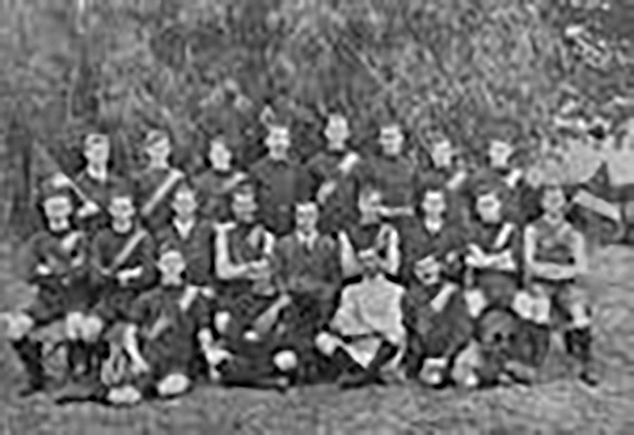 Sporting-Teams---Football-Team,-Brisbane-ca.-1911